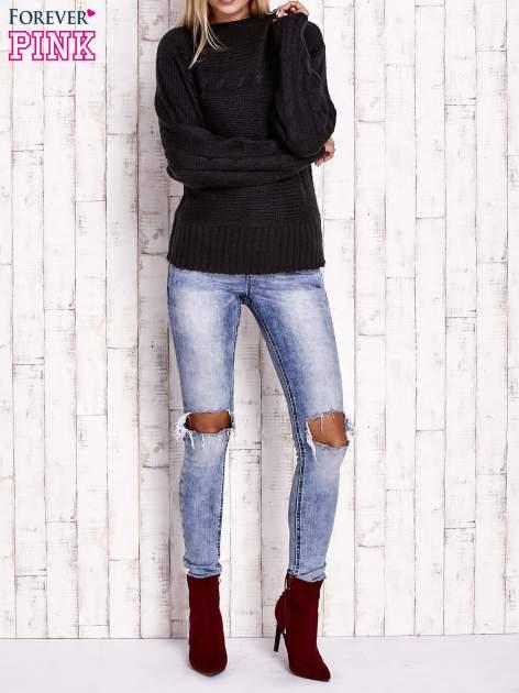 Czarny sweter z warkoczowym splotem                                  zdj.                                  2