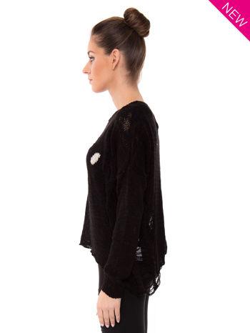 Czarny sweter ze zwierzęcym nadrukiem i efektem destroyed                                  zdj.                                  3
