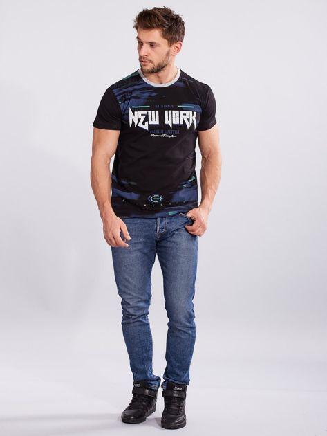 Czarny t-shirt dla mężczyzny z printem                              zdj.                              4
