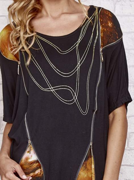 Czarny t-shirt oversize ze złotymi zipami                                  zdj.                                  5