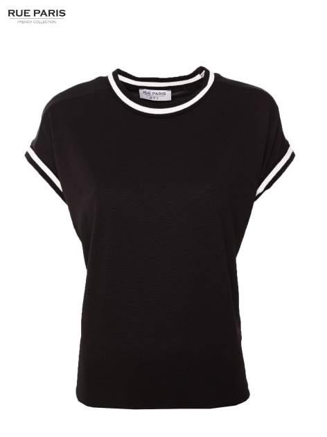 Czarny t-shirt w stylu tenis chic                                  zdj.                                  1