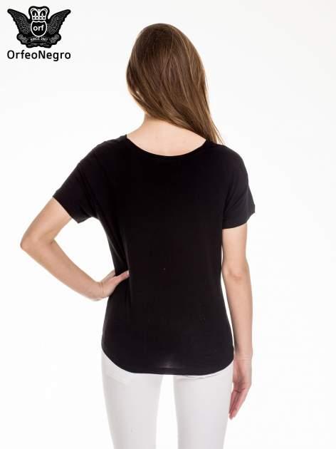 Czarny t-shirt z aplikacją ENJOY z cekinów                                  zdj.                                  2