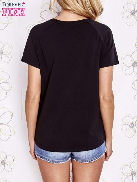 Czarny t-shirt z aplikacją owadów                                   zdj.                                  4