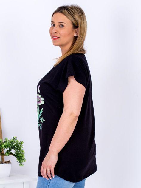 Czarny t-shirt z kwiatowym printem PLUS SIZE                              zdj.                              5
