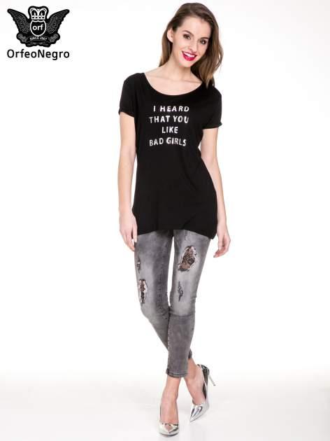 Czarny t-shirt z metalicznym napisem I HEARD THAT YOU LIKE BAD GIRLS                                  zdj.                                  2
