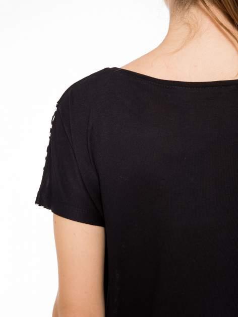 Czarny t-shirt z motywem pantery                                  zdj.                                  8