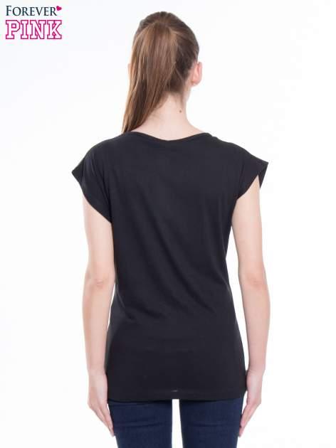 Czarny t-shirt z nadrukiem FLAMINGO MOTEL                                  zdj.                                  3