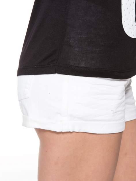Czarny t-shirt z nadrukiem numerycznym AWESOME 82 z dżetami                                  zdj.                                  9