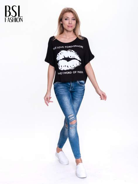 Czarny t-shirt z nadrukiem ust i napisem TRUE LOVE                                  zdj.                                  4
