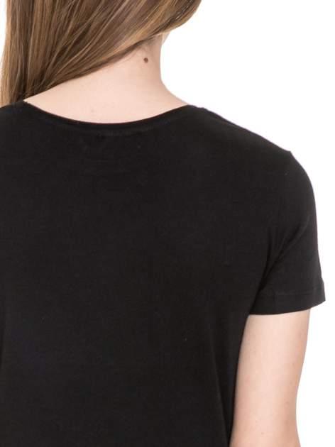 Czarny t-shirt z nadrukiem złamanego serca                                  zdj.                                  6