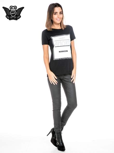 Czarny t-shirt z napisem AMORE                                  zdj.                                  2