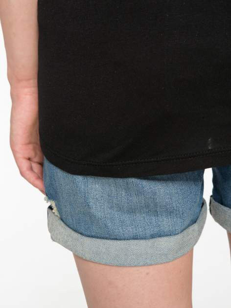 Czarny t-shirt z napisem EVERY WOMAN IS A REBEL                                  zdj.                                  6