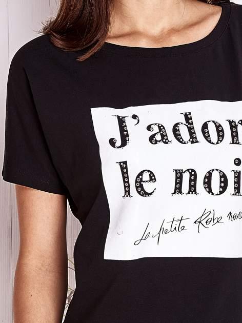 Czarny t-shirt z napisem J'ADORE LE NOIR                                  zdj.                                  5