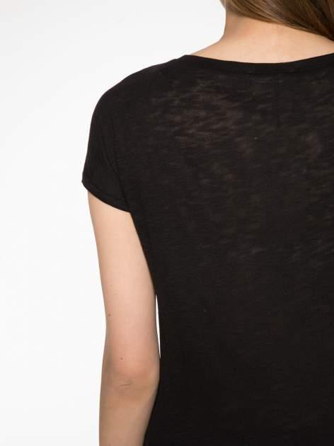 Czarny t-shirt z napisem LOVE AND HAPPINESS                                  zdj.                                  10