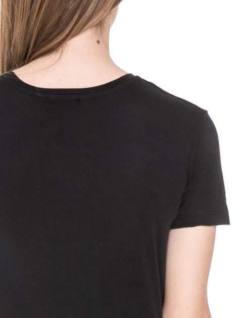 Czarny t-shirt z napisem NEW YORK z cekinami                                  zdj.                                  6