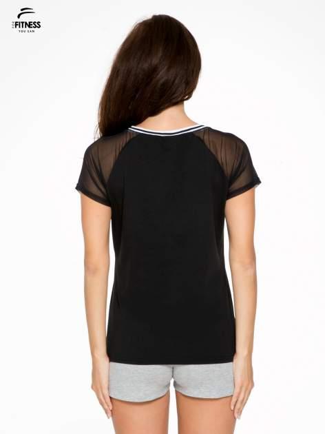 Czarny t-shirt z transparentnymi rękawami                                  zdj.                                  4