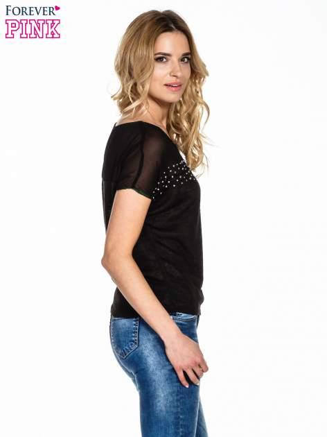 Czarny t-shirt z wiązaniem z boku                                  zdj.                                  3