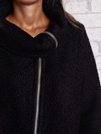 Czarny wełniany płaszcz z kieszeniami i dużym kołnierzem                                  zdj.                                  5