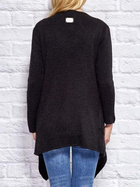 Czarny wełniany sweter z luźnymi połami                                  zdj.                                  2