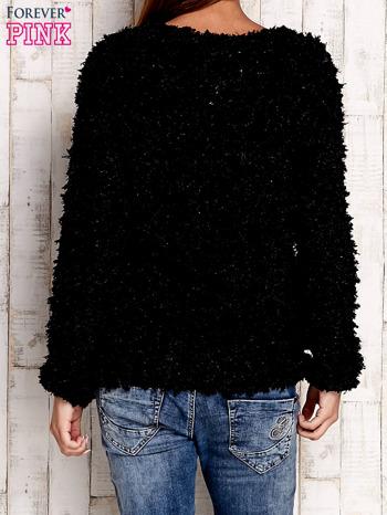 Czarny włochaty sweter                              zdj.                              4