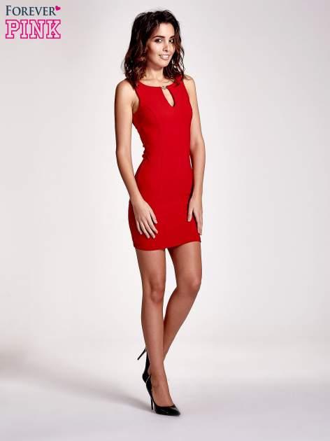 Czerowna sukienka z wycięciem na dekolcie                                  zdj.                                  7