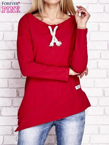 Czerwona asymetryczna bluza z troczkami                                  zdj.                                  1