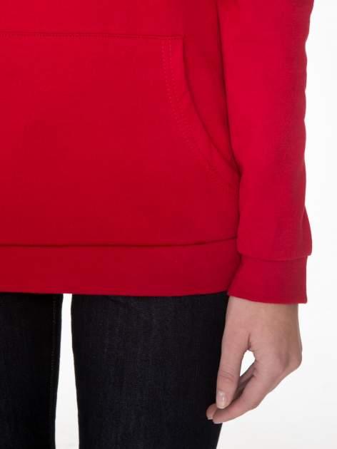 Czerwona bluza kangur z kapturem i nadrukiem FÉLINE MEOW                                  zdj.                                  6
