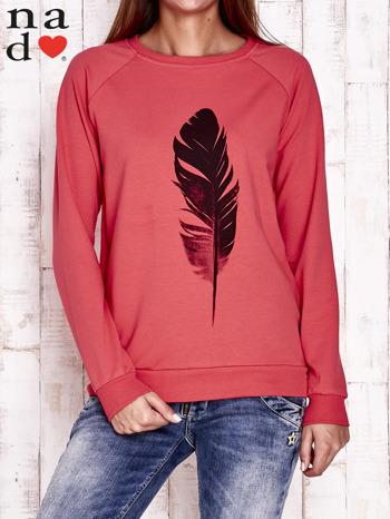 Czerwona bluza z piórkiem                                  zdj.                                  1