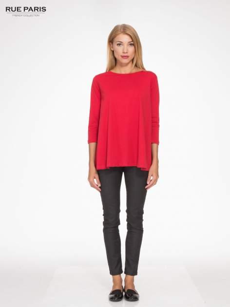 Czerwona bluzka o rozkloszowanym kroju z rękawem 3/4                                  zdj.                                  2