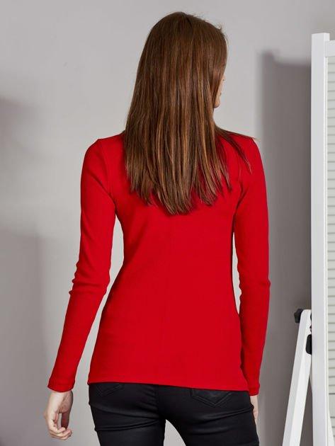 Czerwona bluzka z zatrzaskami przy dekolcie                               zdj.                              2
