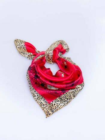 Czerwona chusta apaszka z pasem w cętki panterki
