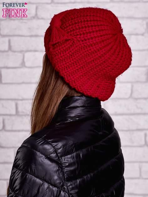 Czerwona dzianinowa czapka z kokardą                                  zdj.                                  3