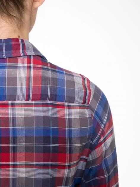 Czerwona koszula w kratę z gwiazdkami przy kieszonkach                                  zdj.                                  8