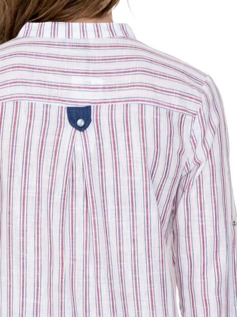 Czerwona koszula w paski z listwą z denimu i dżetami                                  zdj.                                  6