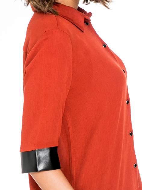 Czerwona koszula ze skórzanymi mankietami                                  zdj.                                  5