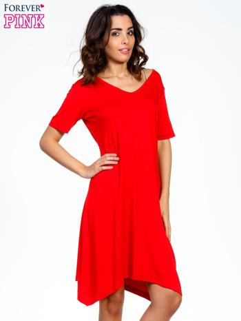 Czerwona luźna sukienka z asymetrycznym dołem                                  zdj.                                  5