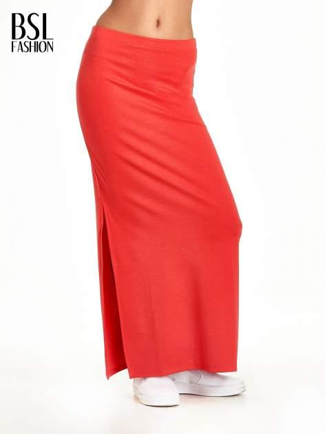 Czerwona maxi spódnica z rozcięciem z boku                                  zdj.                                  1
