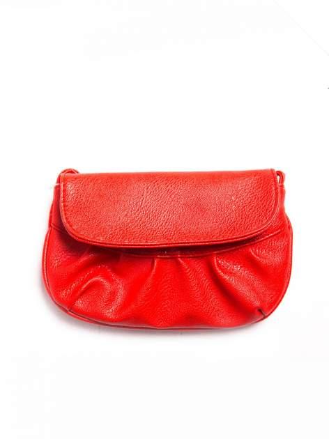 Czerwona mini torebka kopertówka z paskiem                                  zdj.                                  1