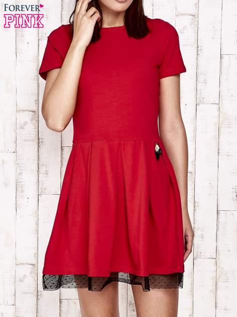 Czerwona sukienka dresowa z tiulem w groszki                                  zdj.                                  1