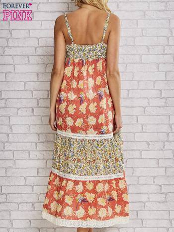 Czerwona sukienka midi w łączkę z wiązaniem                                  zdj.                                  4