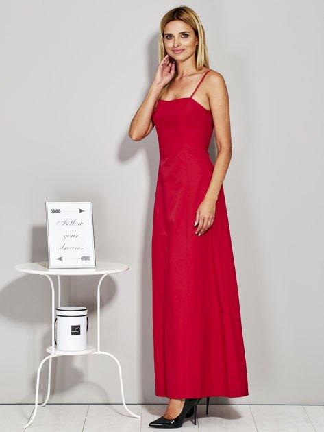 Czerwona sukienka wieczorowa z drapowaniem                              zdj.                              3