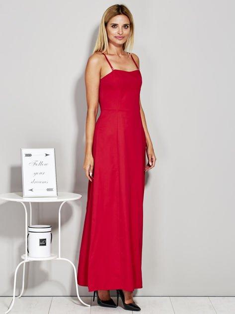 Czerwona sukienka wieczorowa z drapowaniem                              zdj.                              5