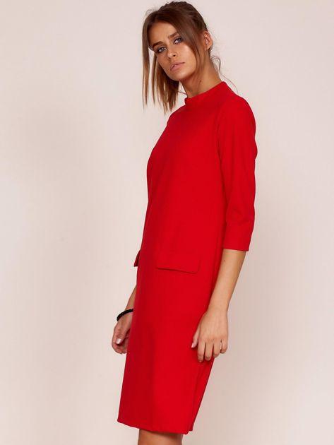 Czerwona sukienka z kieszeniami                               zdj.                              3