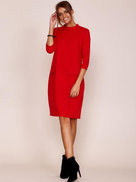 Czerwona sukienka z kieszeniami                               zdj.                              4