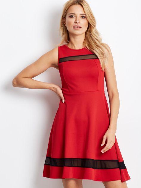 Czerwona sukienka z transparentnymi modułami                              zdj.                              5