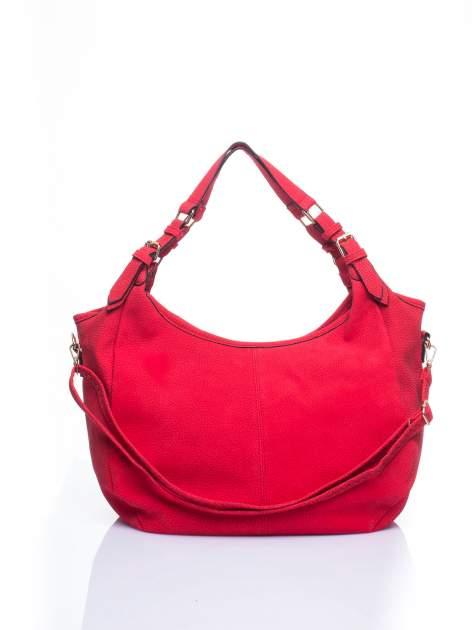 Czerwona torba hobo z klamerkami