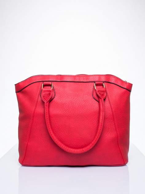 Czerwona torba miejska ze złotą zaiweszką                                  zdj.                                  3
