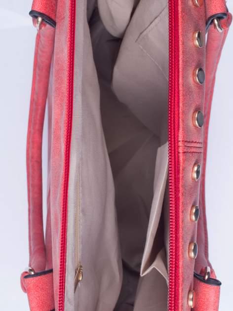 Czerwona torba shopper bag ze złotymi ćwiekami                                  zdj.                                  4
