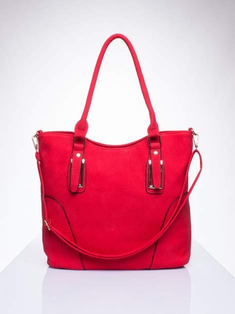 Czerwona torba shopper bag ze złotymi okuciami przy rączkach                                  zdj.                                  1