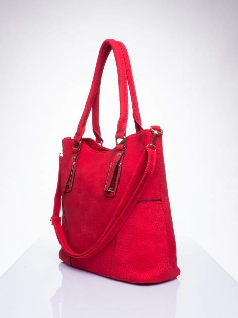 Czerwona torba shopper bag ze złotymi okuciami przy rączkach                                  zdj.                                  2